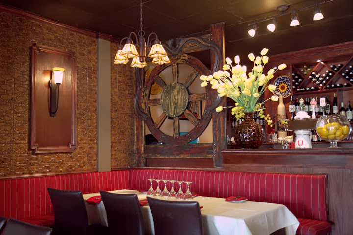 Red Tavern dining room