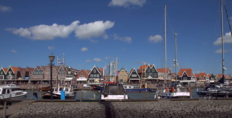 Sailing to the fishing village of Marken