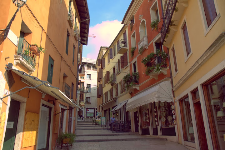 bassano del grappa single christian girls Slowtrav italy travel notes northern italy things to do in the northern veneto cyndy hawley (wv cyndy) exploring the area near bassano del grappa.