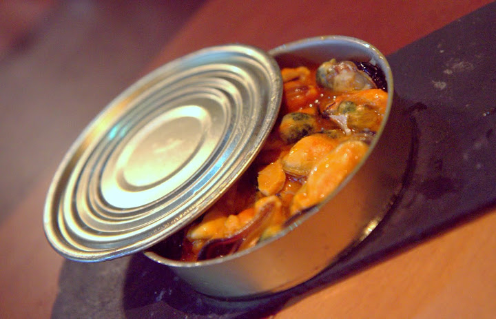 Mussels in a can at Abastos 2.0