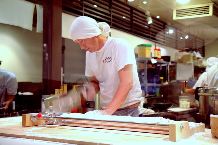 Cutting noodles at Marugame Monzo