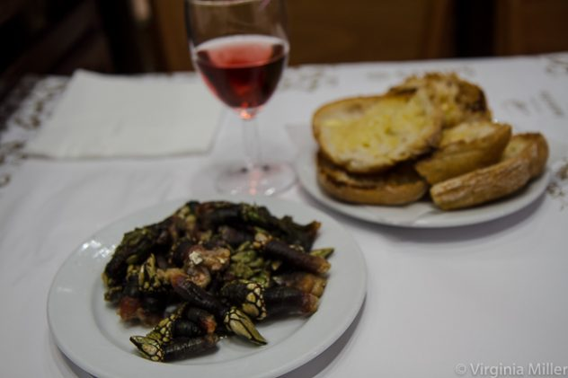 Barnacles, garlicky bread & Portuguese rose wine