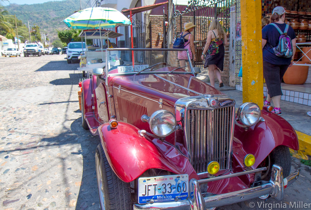 Puerto-Vallarta-Classic-Car-Copyright-Virginia-Miller.jpg